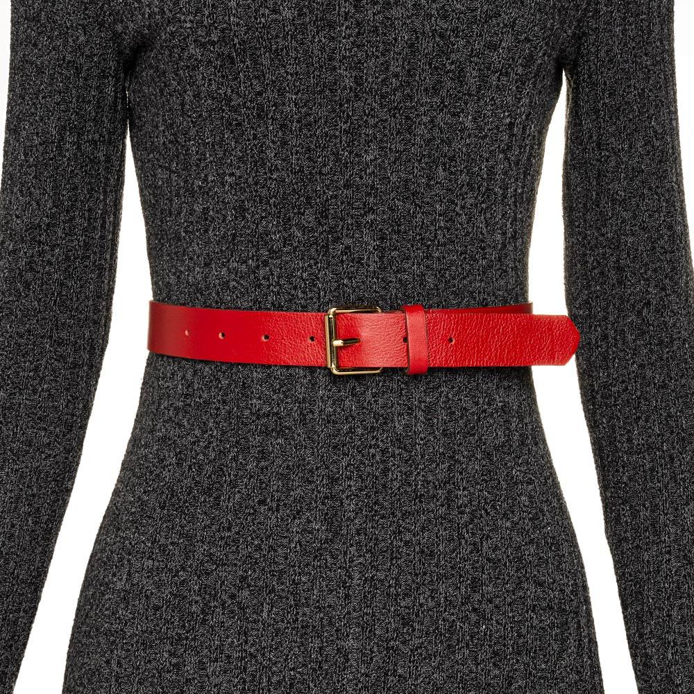 Cinto de Couro Vermelho com Fivela Simples Dourada - 3cm-  Cintos Exclusivos - Feminino