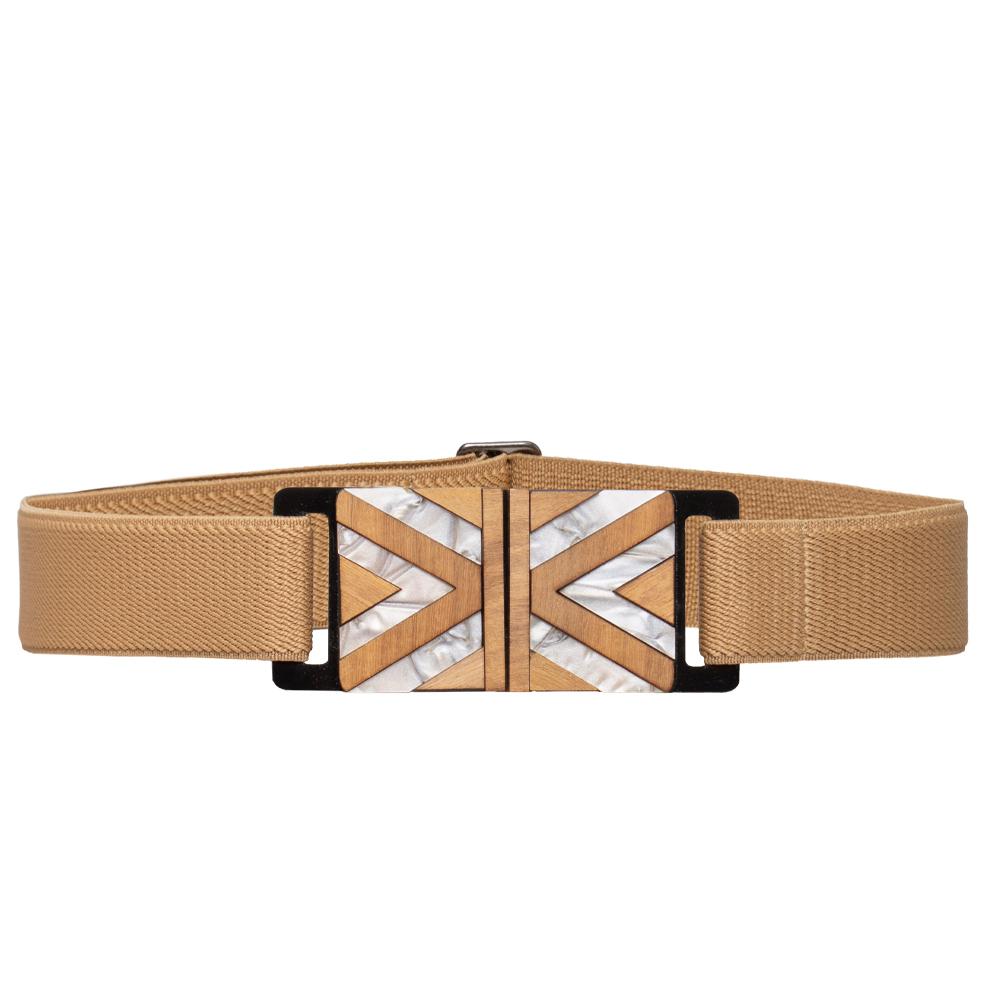 Cinto de Elástico Ajustável Bege com Regulagem e Fivela de Acrílico com madeira  Étnico - Cintos Exclusivos - Feminino