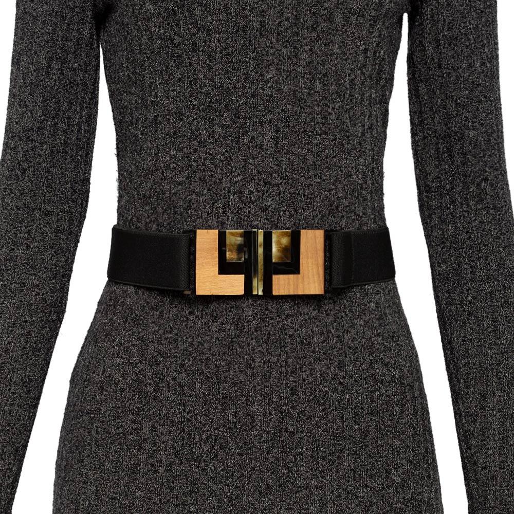 Cinto de Elástico Ajustável Preto com Regulagem e Fivela de Acrílico com detalhes em madeira Étnico - Cintos Exclusivos - Feminino