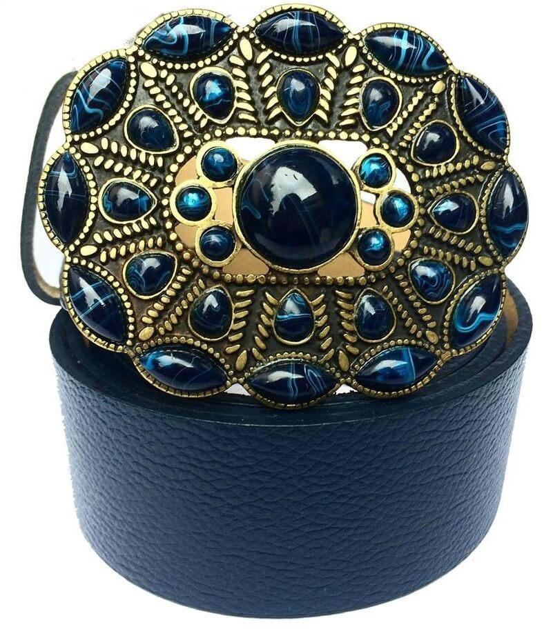 c14ef9ba00 Cinto de Couro Legítimo Azul Marinho com Fivela em pedraria - 4 cm - Cintos  Exclusivos - Feminino - Cintos Exclusivos
