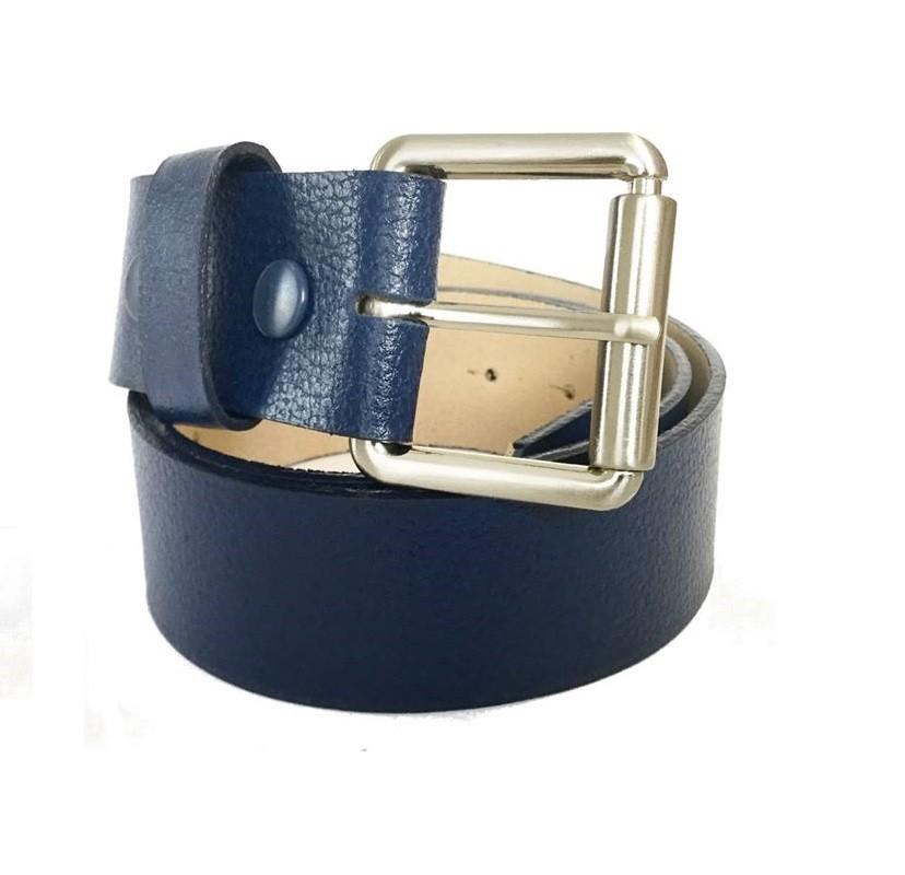99a9c39a0 Cinto em couro legítimo azul marinho com fivela prata - Cintos ...
