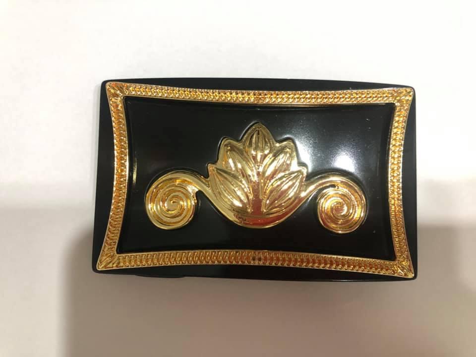 Fivela  Dourada  com Detalhe - Cintos Exclusivos - Feminino