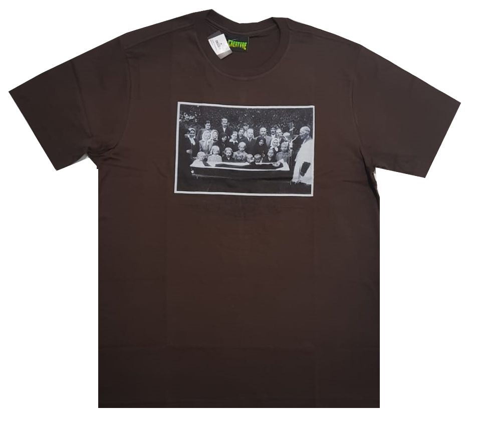 Camiseta Creature Funeral Service Brown