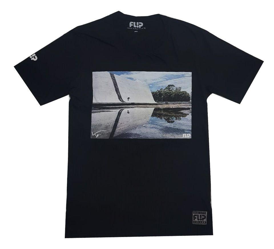 Camiseta Flip Collab Pablo Vaz Preta