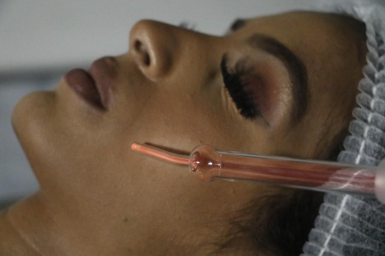 Hf Ibramed - Aparelho De Alta Frequência Tratamentos Faciais E Podologia