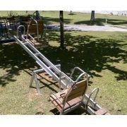 Playground Adaptado Gangorra de Ferro Cadeirante