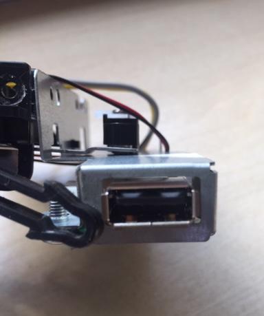 302RV94120 | 2RV94120 - Trava Frontal do USB Kyocera M2040DN | M2640IDW