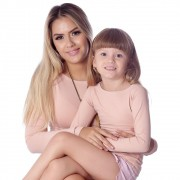 Kit Mãe e Filha Blusas FICALINDA Nude Manga Longa Decote Canoa