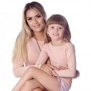 Kit Mãe e Filha Blusas FICALINDA Nude Manga Longa Decote Canoa EVASÊ