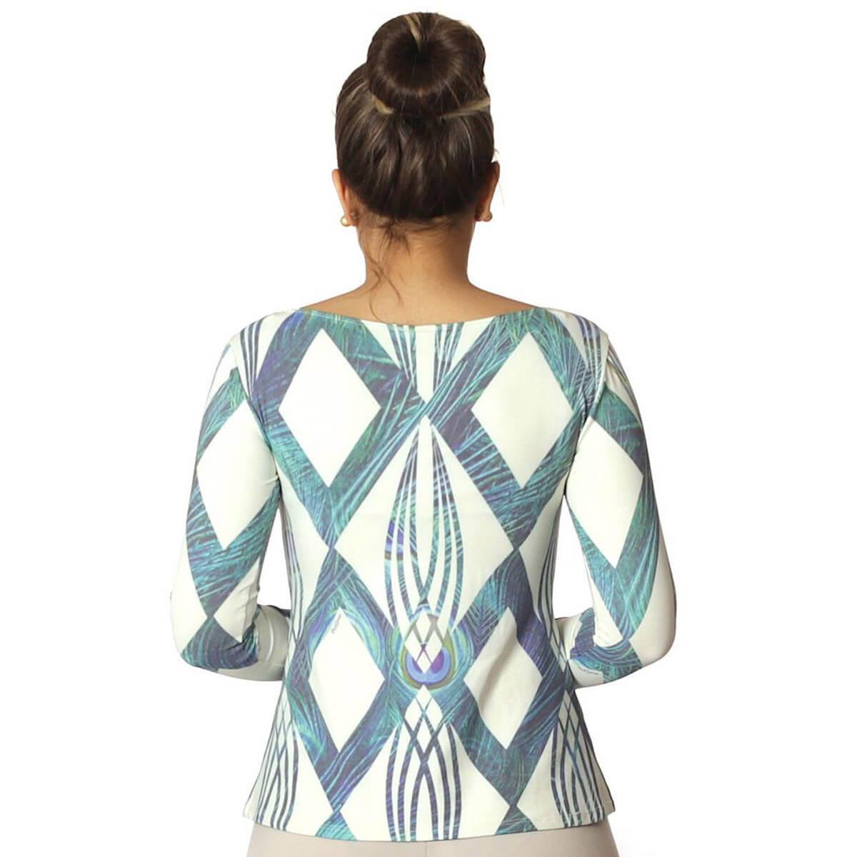 Blusa Feminina com Proteção Solar UV Estampa Geométrica Exclusiva Azul com Penas de Pavão Decote Canoa Evasê