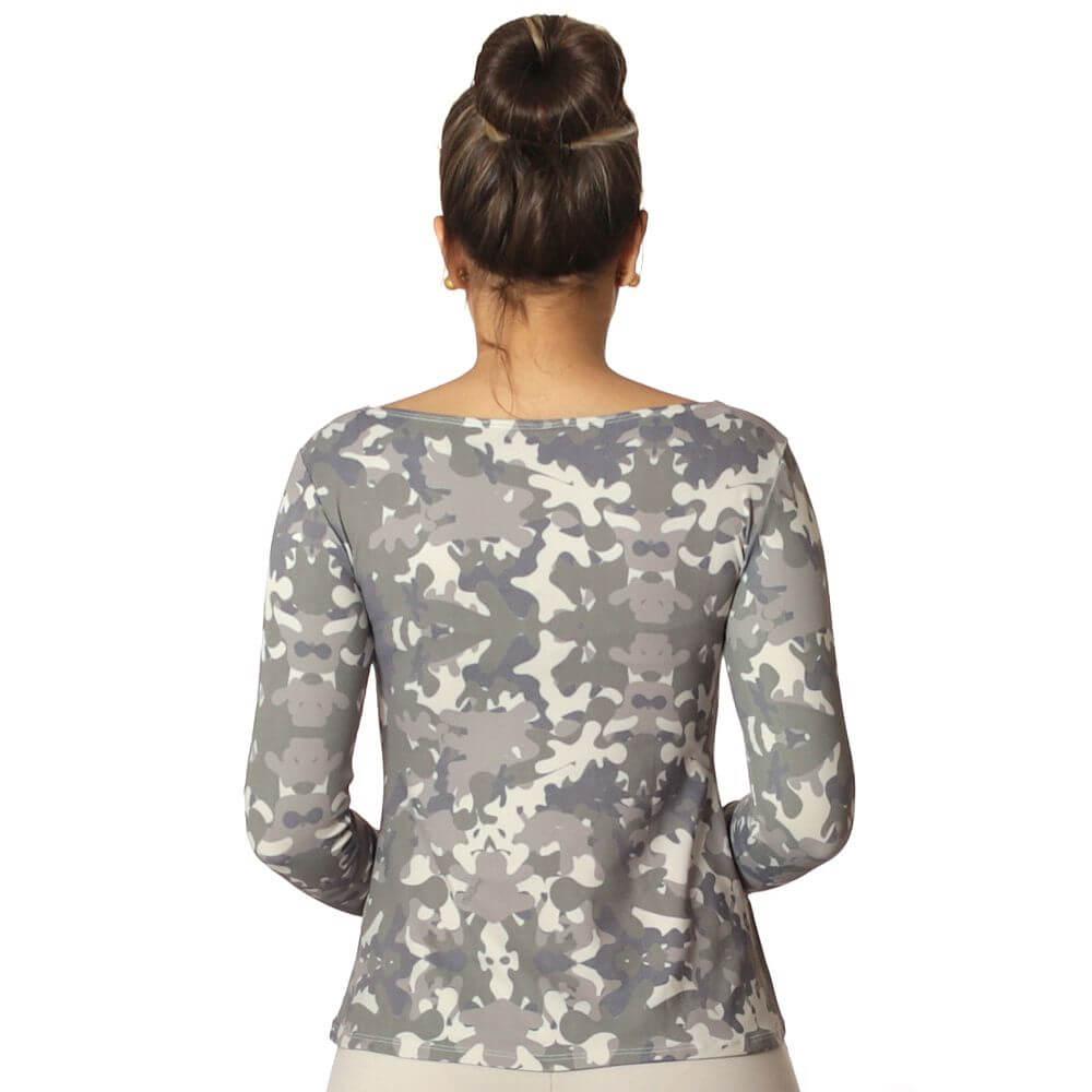 Blusa Feminina com Proteção Solar UV Estampa Camuflada Exclusiva Decote Canoa Evasê