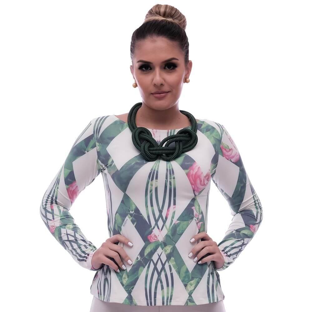 Blusa Feminina com Proteção Solar UV Estampa Geométrica Exclusiva Verde com Flores Decote Canoa Evasê