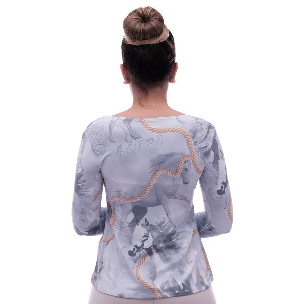 Blusa Feminina Manga Longa Estampa Exclusiva Selaria com Desenho de Cavalo Decote Redondo Evasê
