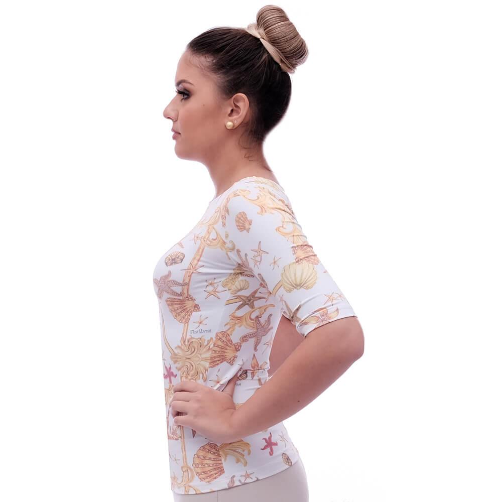 Blusa Feminina Meia Manga com Proteção UV Fashion Estampa Exclusiva Estrela do Mar Decote Canoa