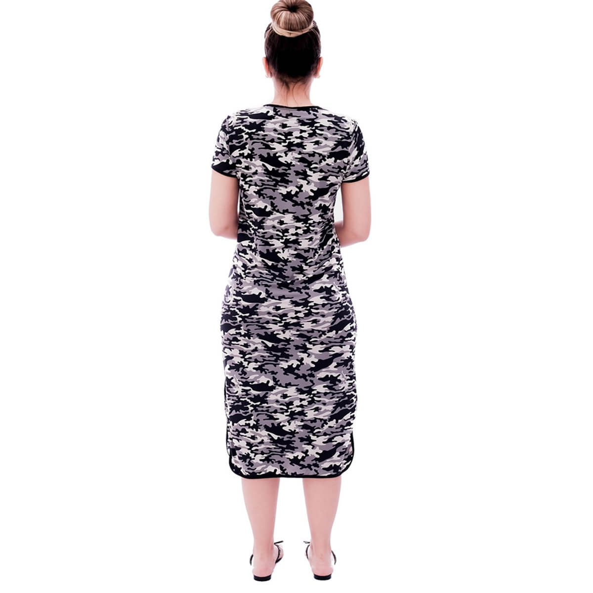 Camisola Feminina Midi Manga Curta 3 em 1 com Estampa Militar Camuflada e Viés Preto