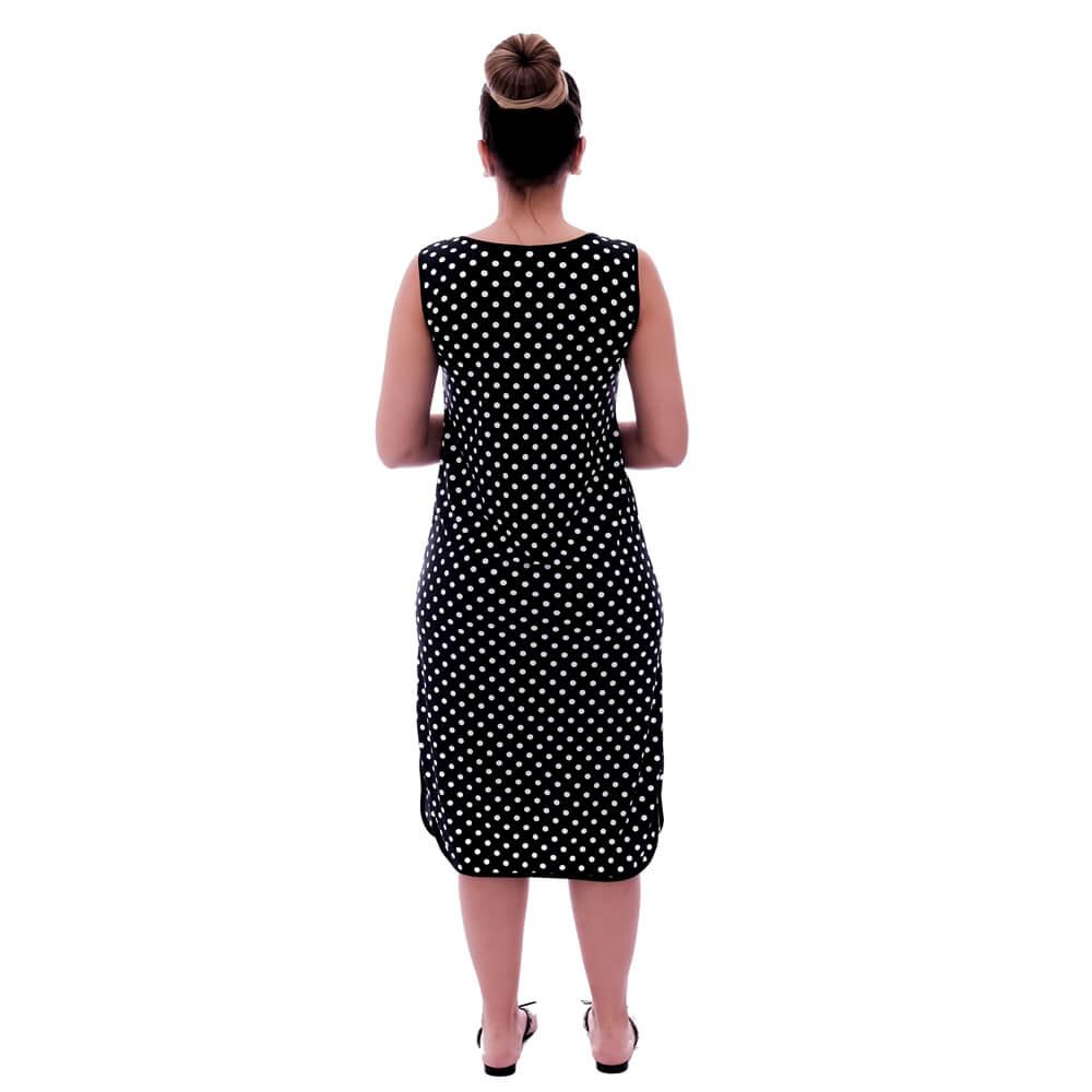 Camisola Feminina Longuete de Alça com Viés Preto e Estampa Poá Preto de Bolas Brancas