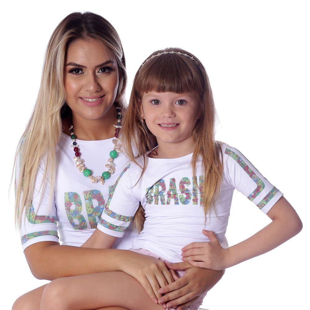 Kit Mãe e Filha Blusas FICALINDA Estampa Exclusiva Brasil 10 Meia Manga Decote Canoa