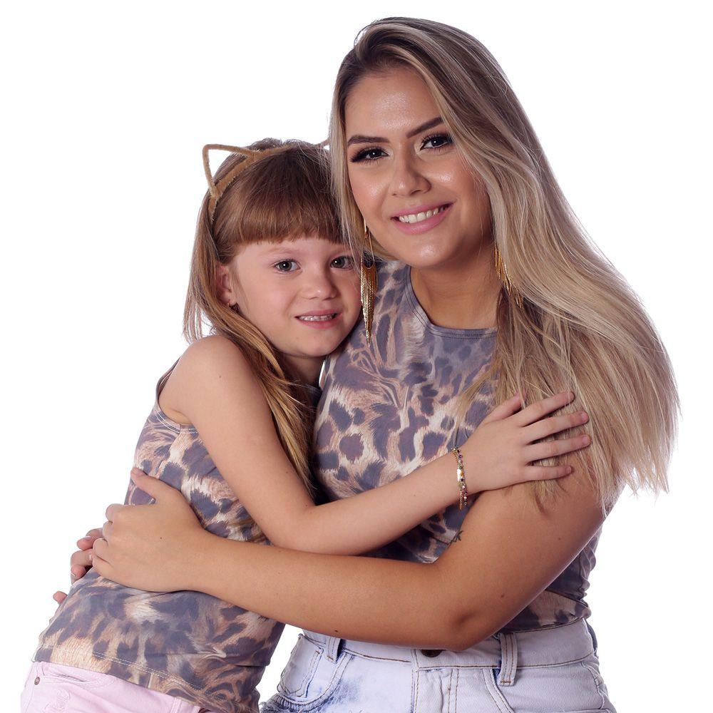 Kit Mãe e Filha Regatas FICALINDA Estampa Exclusiva Animal Print de Onça Decote Canoa EVASÊ