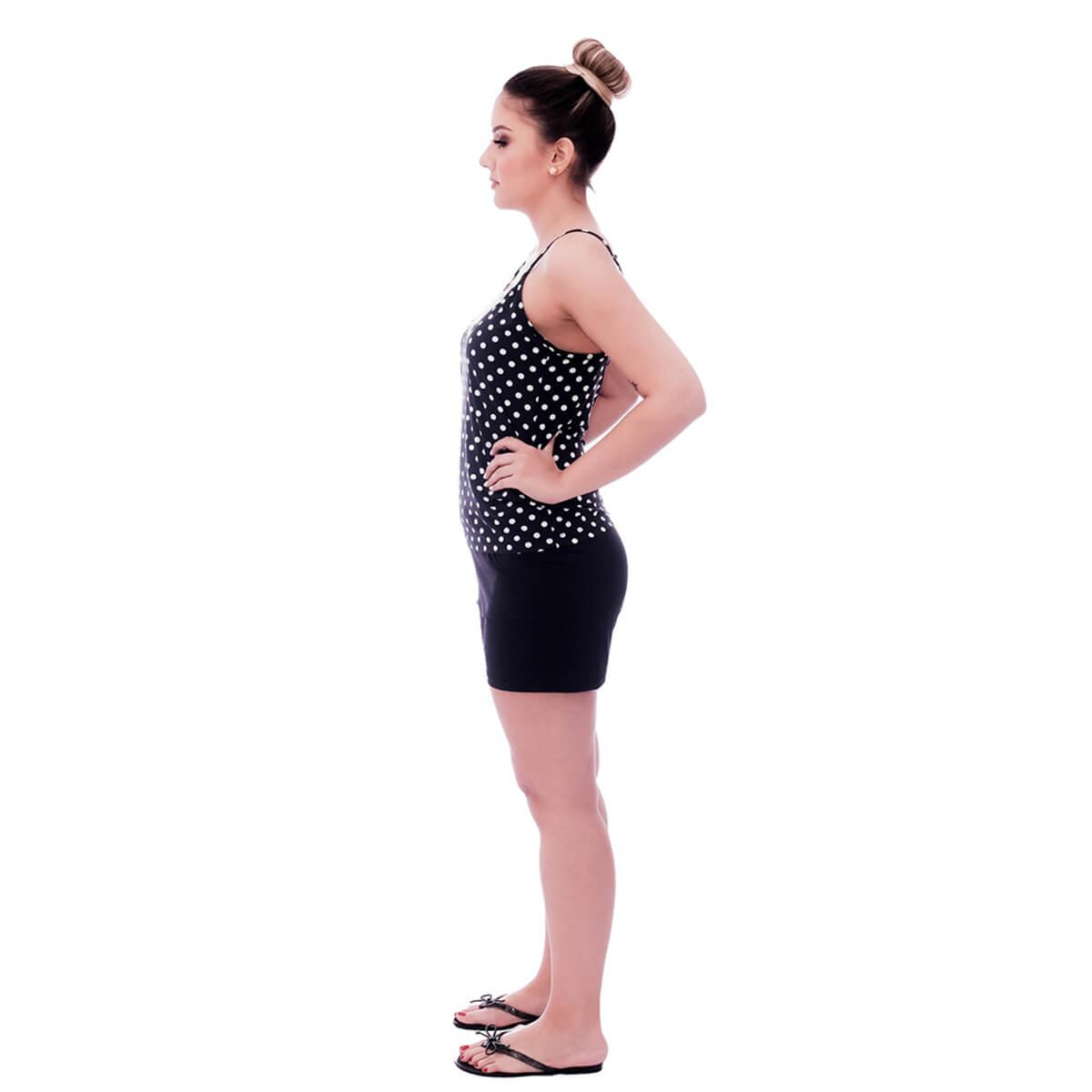 Short Doll de Blusa Alça Fina Estampa Poá Preto de Bolas Brancas com Renda Guipir Branca no Decote e Short Preto