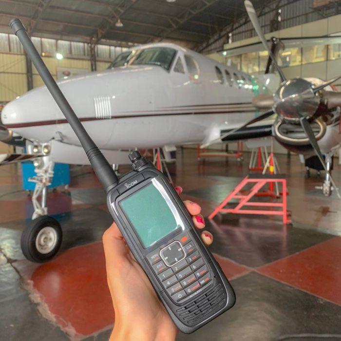 ICOM | IC-A25C Sport | Rádio VHF aeronáutico portátil