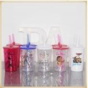 Copos com tampa e canudo personalizados para lembrancinhas de aniversário infantil
