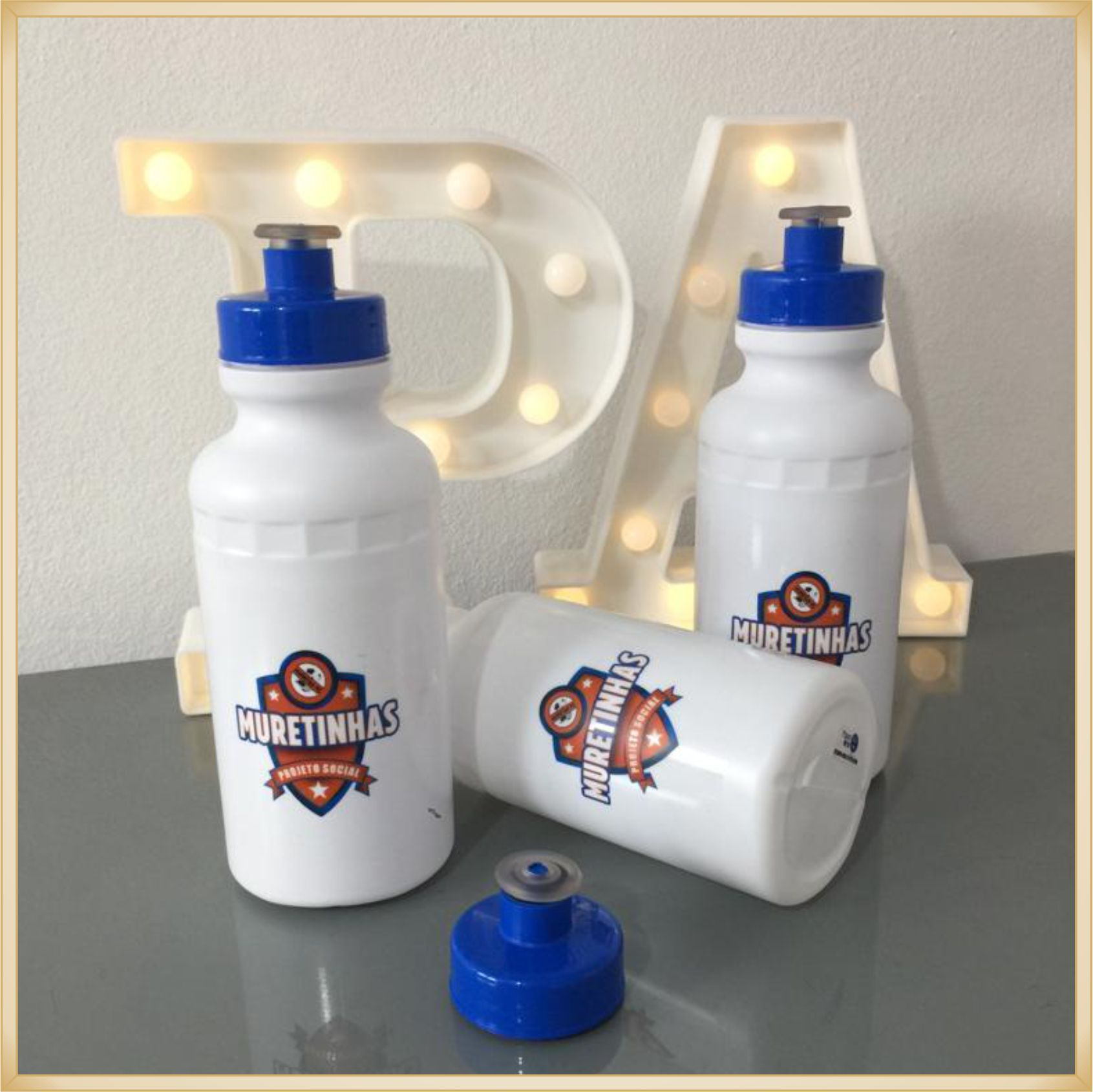 Squeeze Personalizado para aniversário infantil - prático e durável, estampa brilhante de alta qualidade, volume 500 ml, resistente a quedas.
