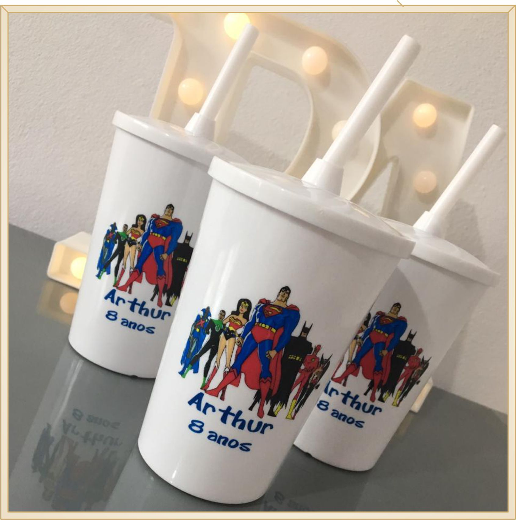 Copos com tampa e canudo personalizados para lembrancinhas de aniversário infantil - Kit com 100 unidades