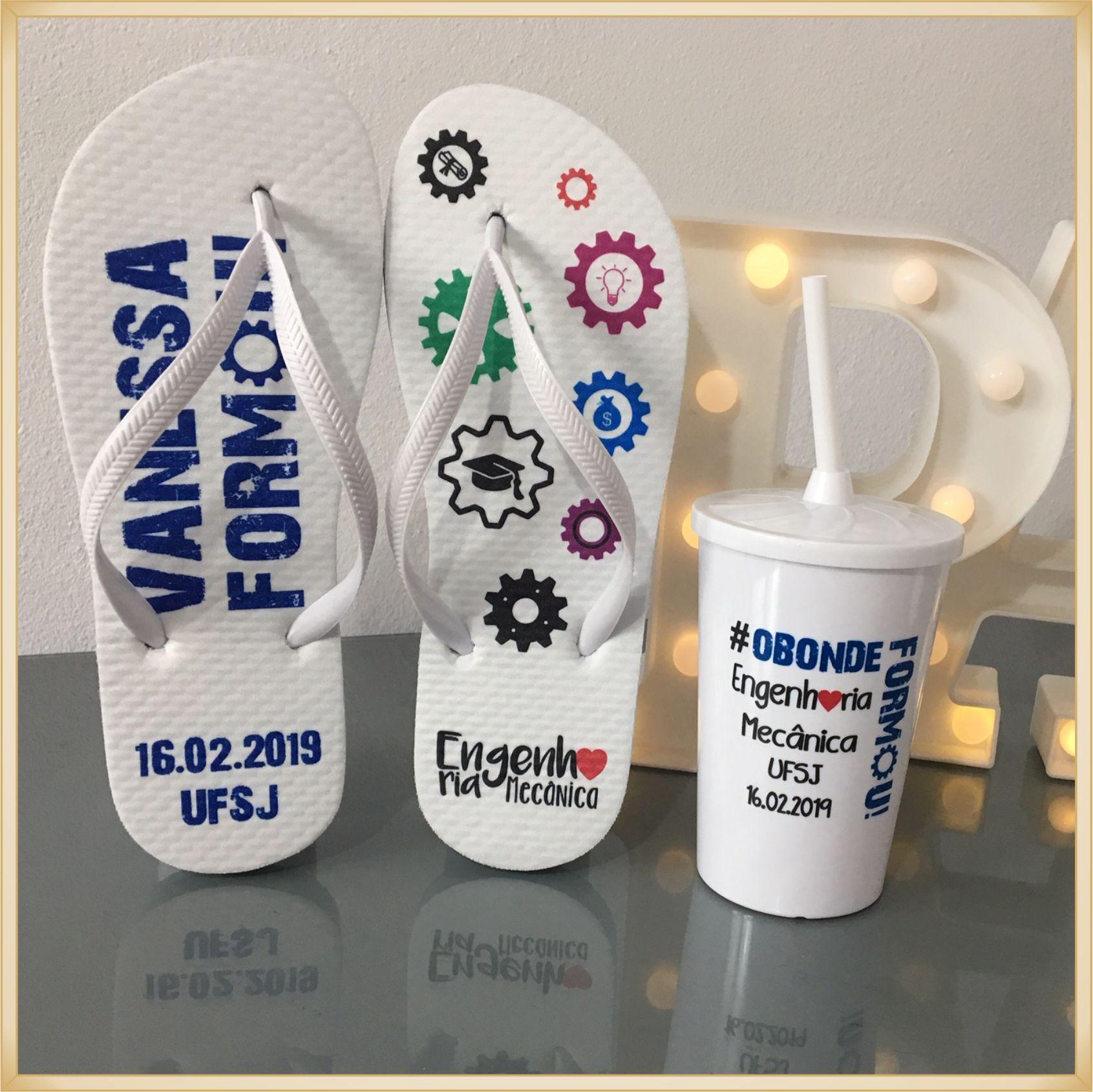 Kit personalizado de formatura chinelo + copo com tampa e canudo - 10 unidades de cada