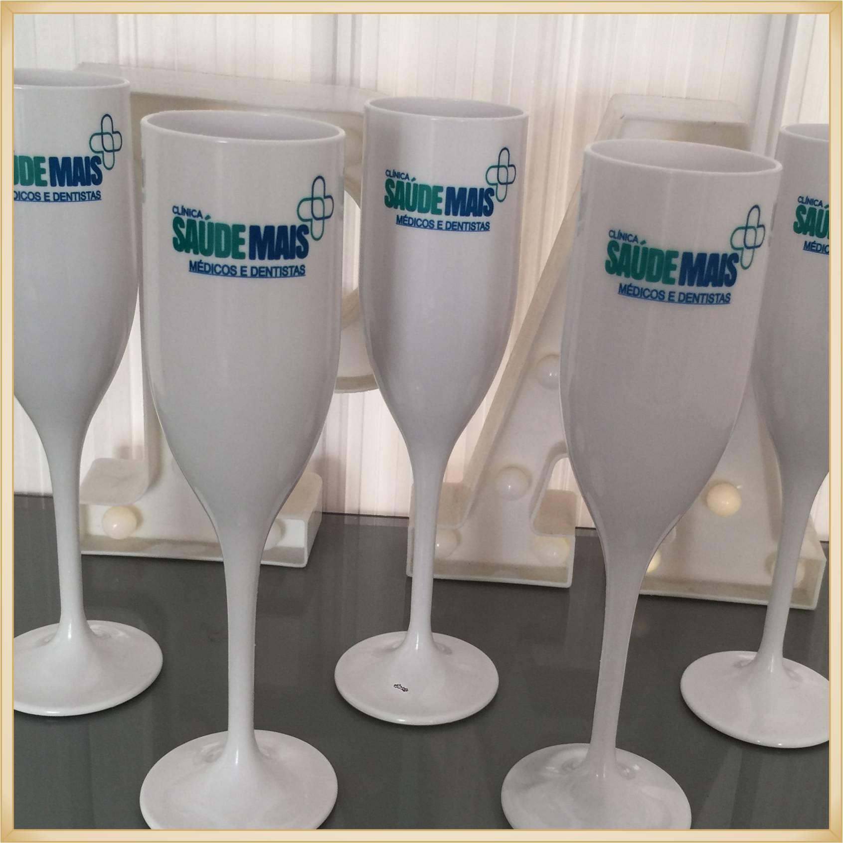 Taça de acrílico Personalizada Empresas - material de qualidade, brilhante, acabamento perfeito, parede 2,0 mm, produto Atóxico, 190 ml.