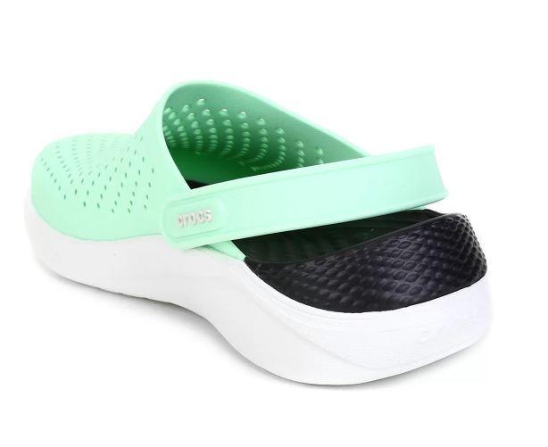 Sandália Crocs LiteRide Clog - Verde Claro e Branco