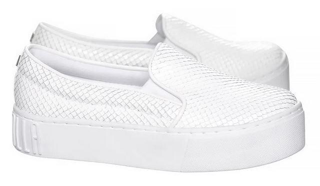 Tênis Santa Lolla slip on texturizado branco