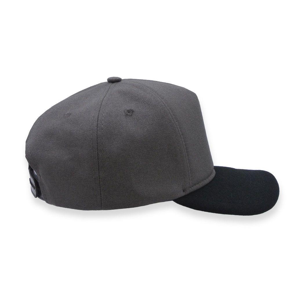 Boné Snapback Aba Curva Classic Hats Cinza e Preto