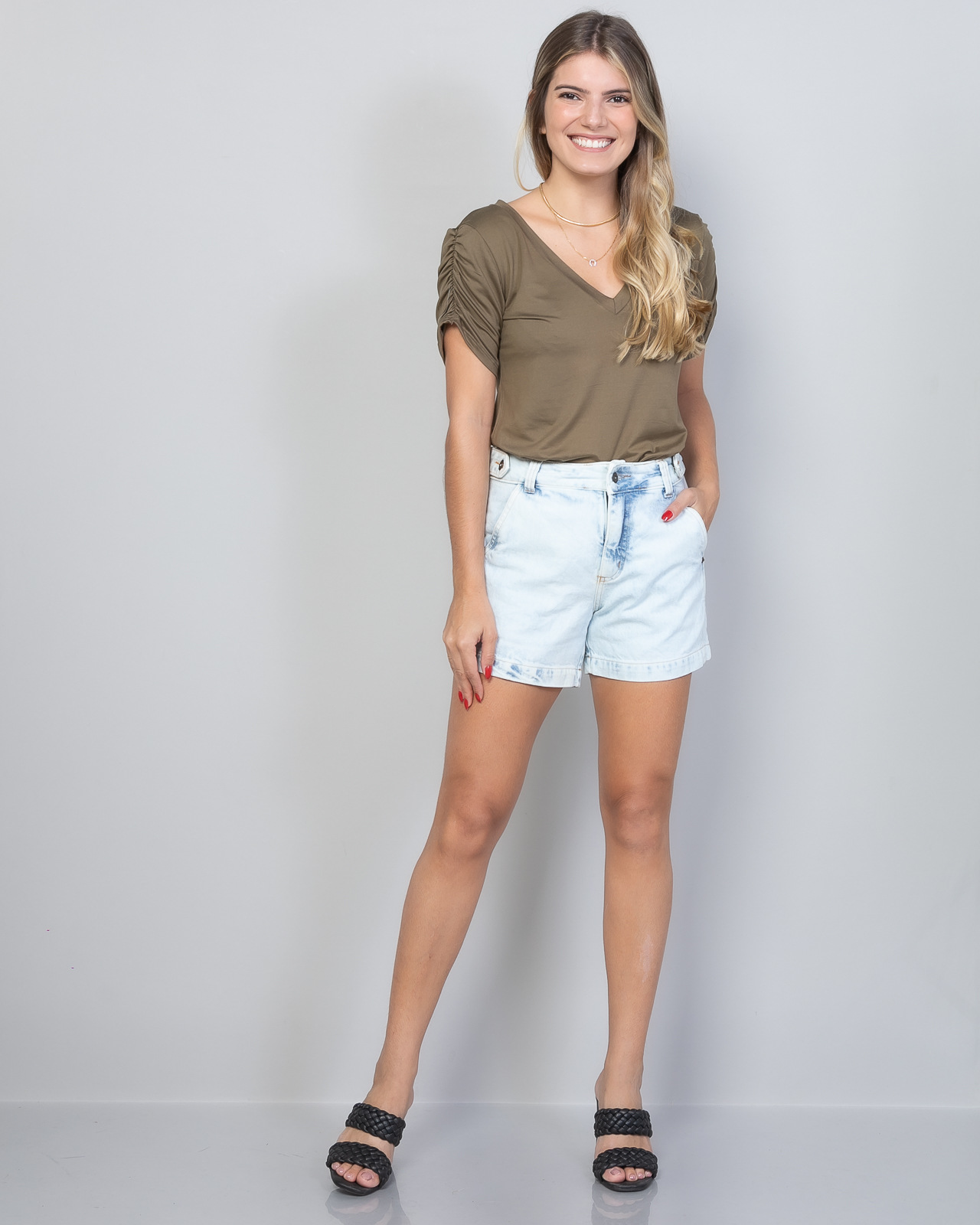 Short Lara