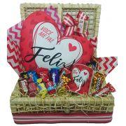 Baú Almofada Coração Você Me Faz Feliz com Caneca e Chocolates