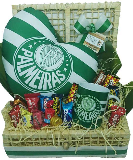 Baú Almofada Coração Palmeiras com Caneca e Chocolates