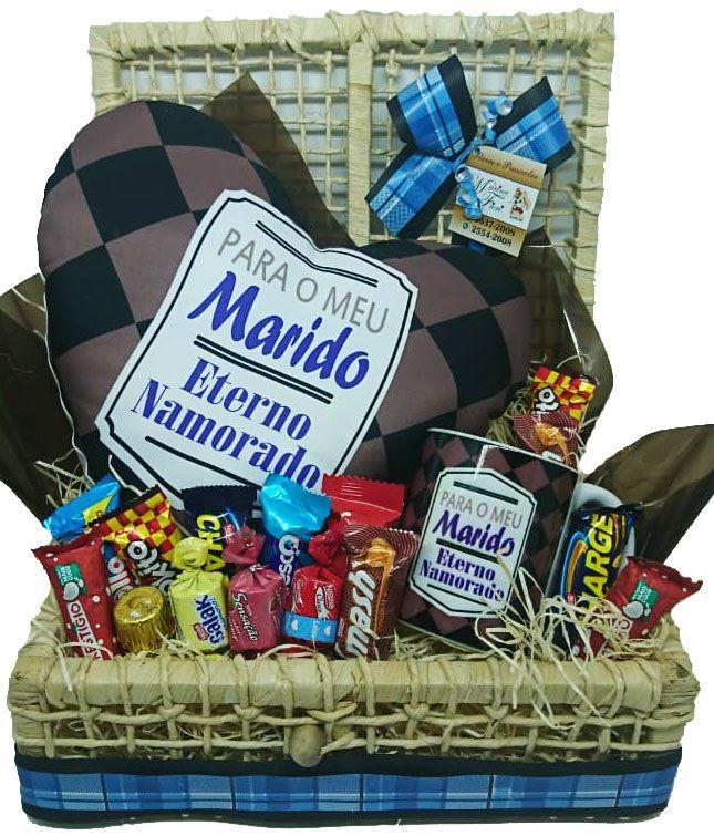 Baú Almofada Coração Para Meu Marido com Caneca e Chocolates