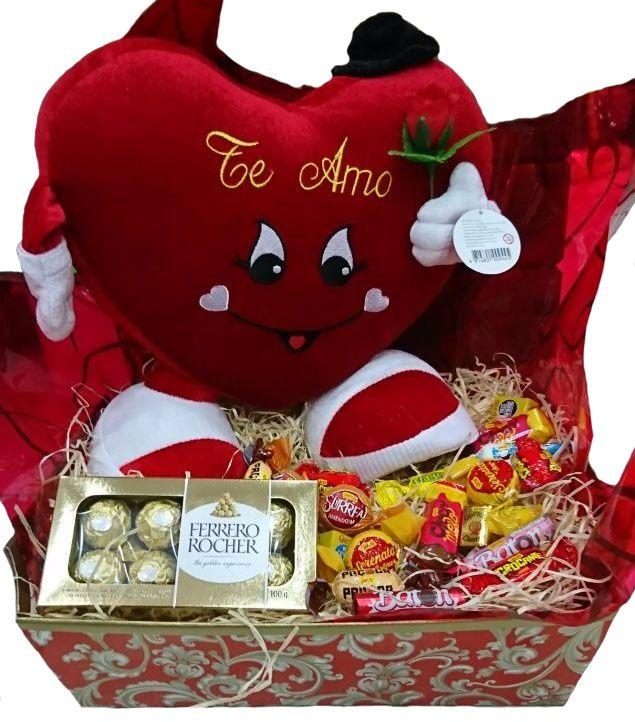 Cesta Coração Pé e Mão Vermelho com Chocolates