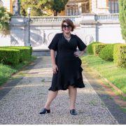 Vestido Plus Size Curto Transpassado Preto