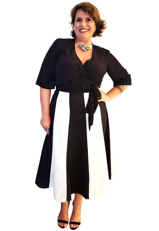 Blusa Cachecouer Plus Size Preta Lisa