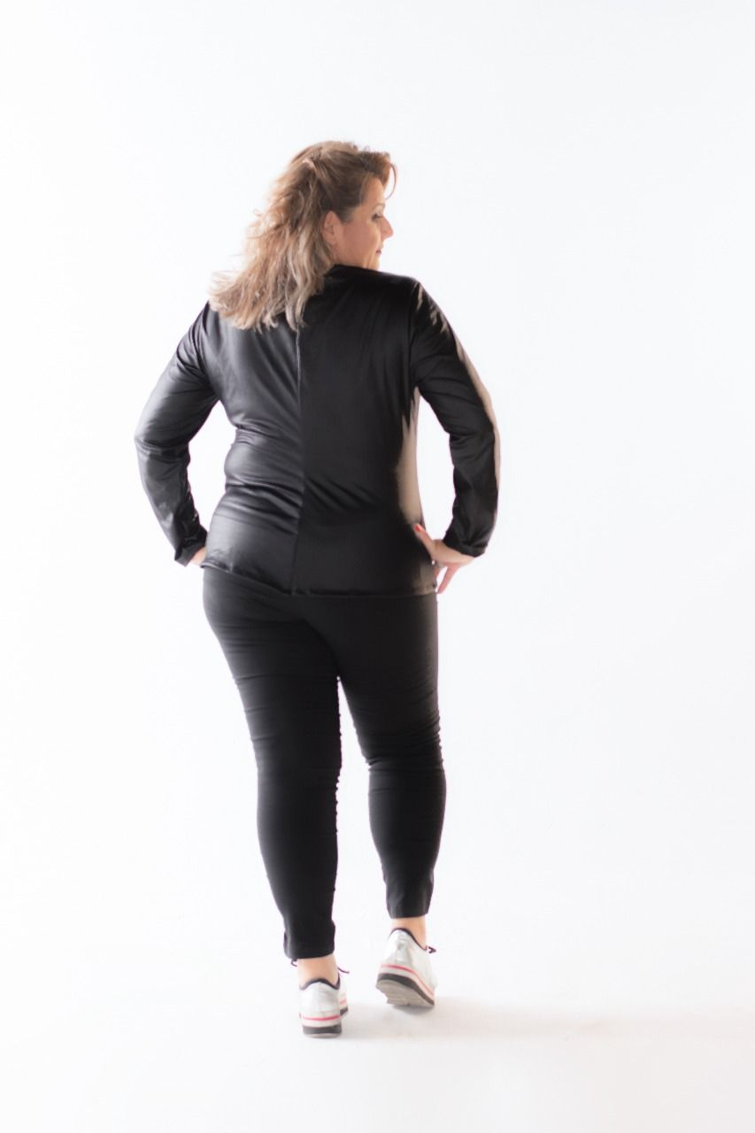 Blusinha Plus Size Cire com Ziper