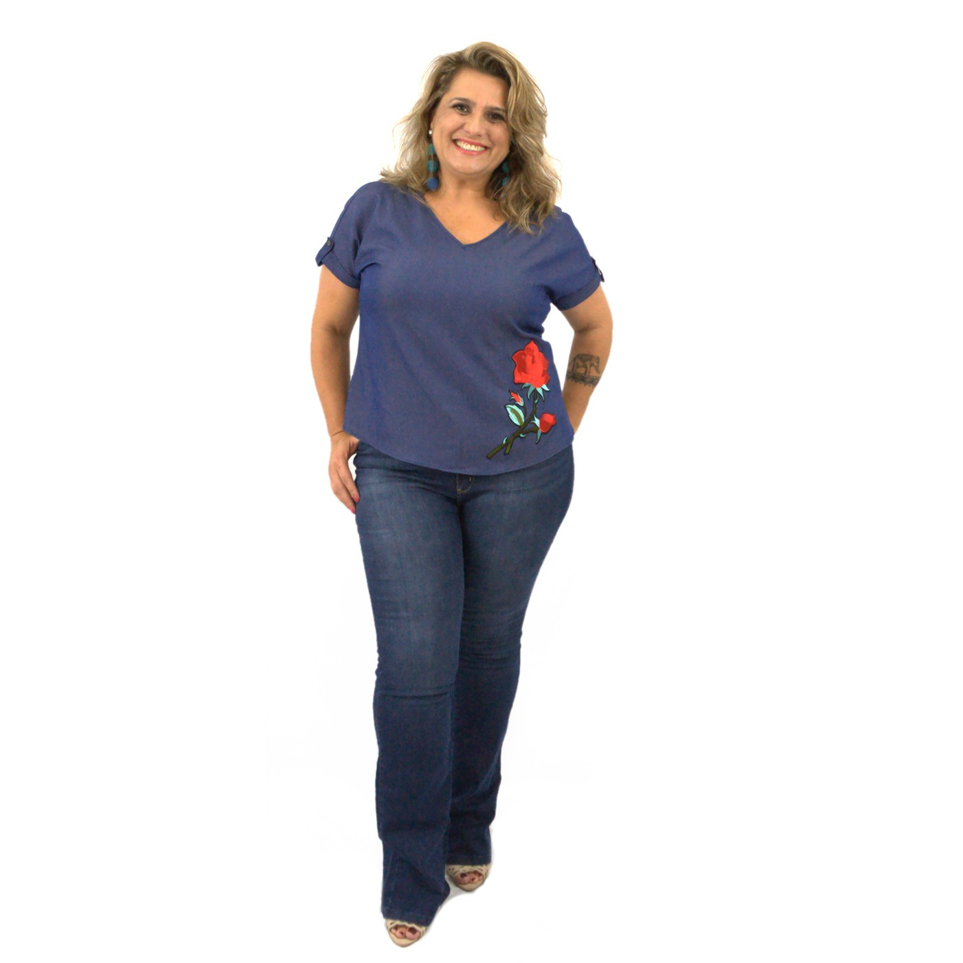 Blusinha Plus Size Manga Curta em Jeans