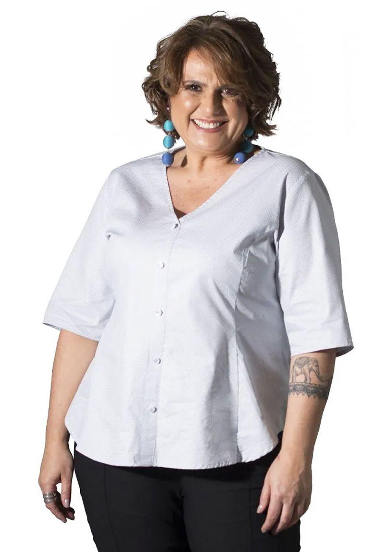 Blusa Plus Size Poá Cinza