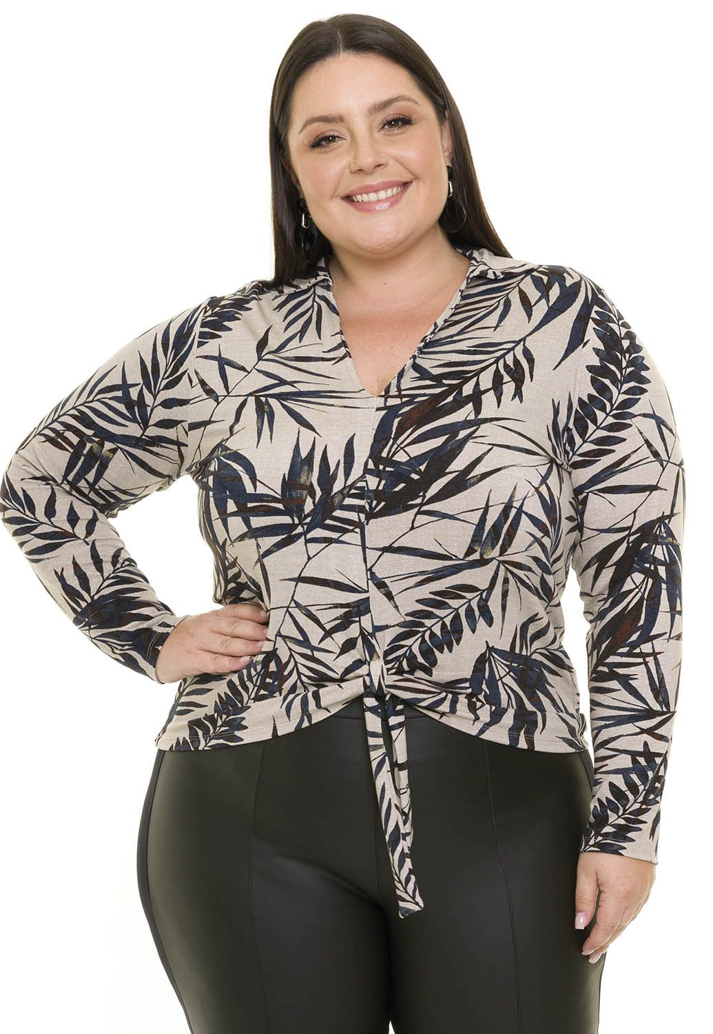 Blusa Visco Estampada Plus Size Manga Longa