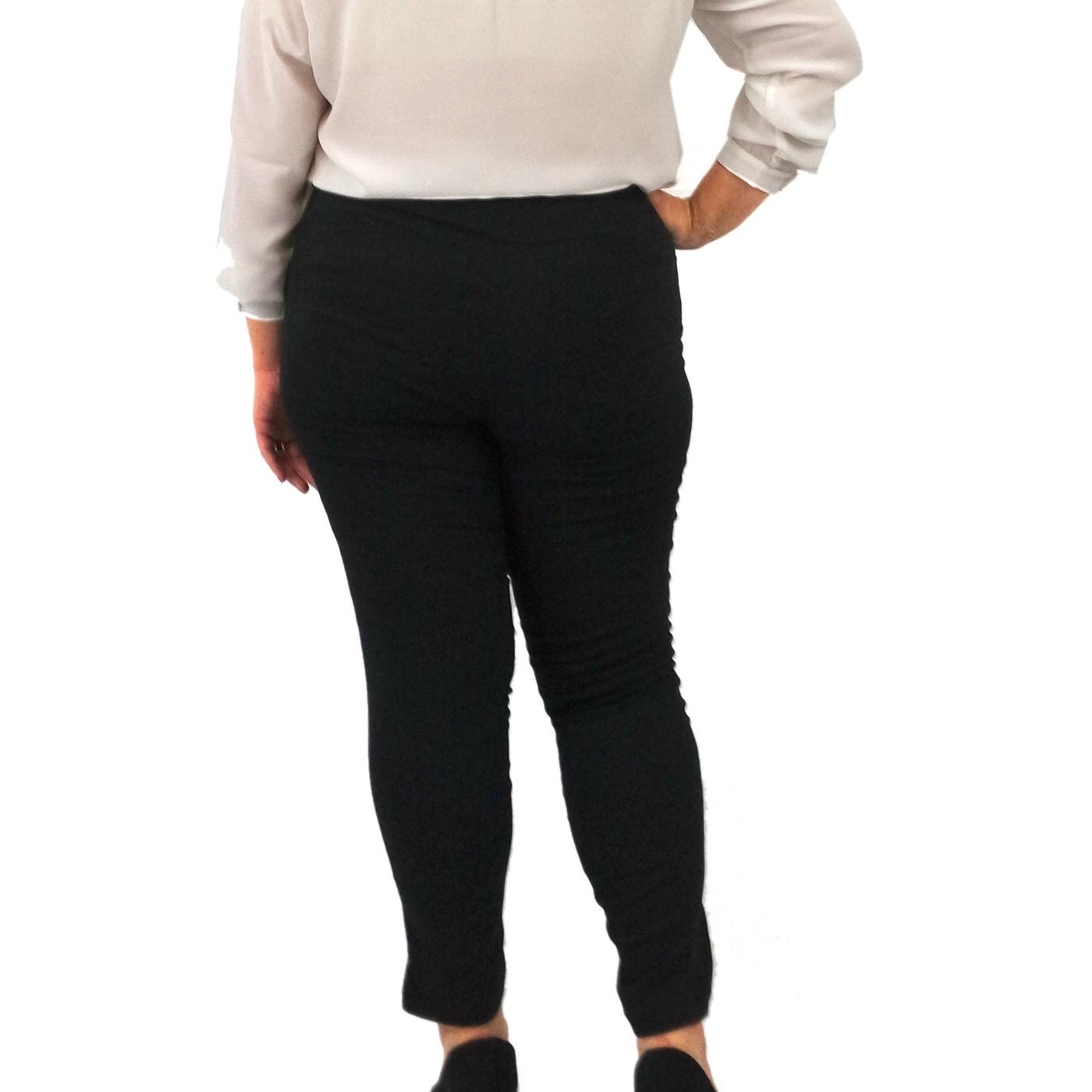 Calça Skinny Cigarrete Plus Size Preta Poliéster