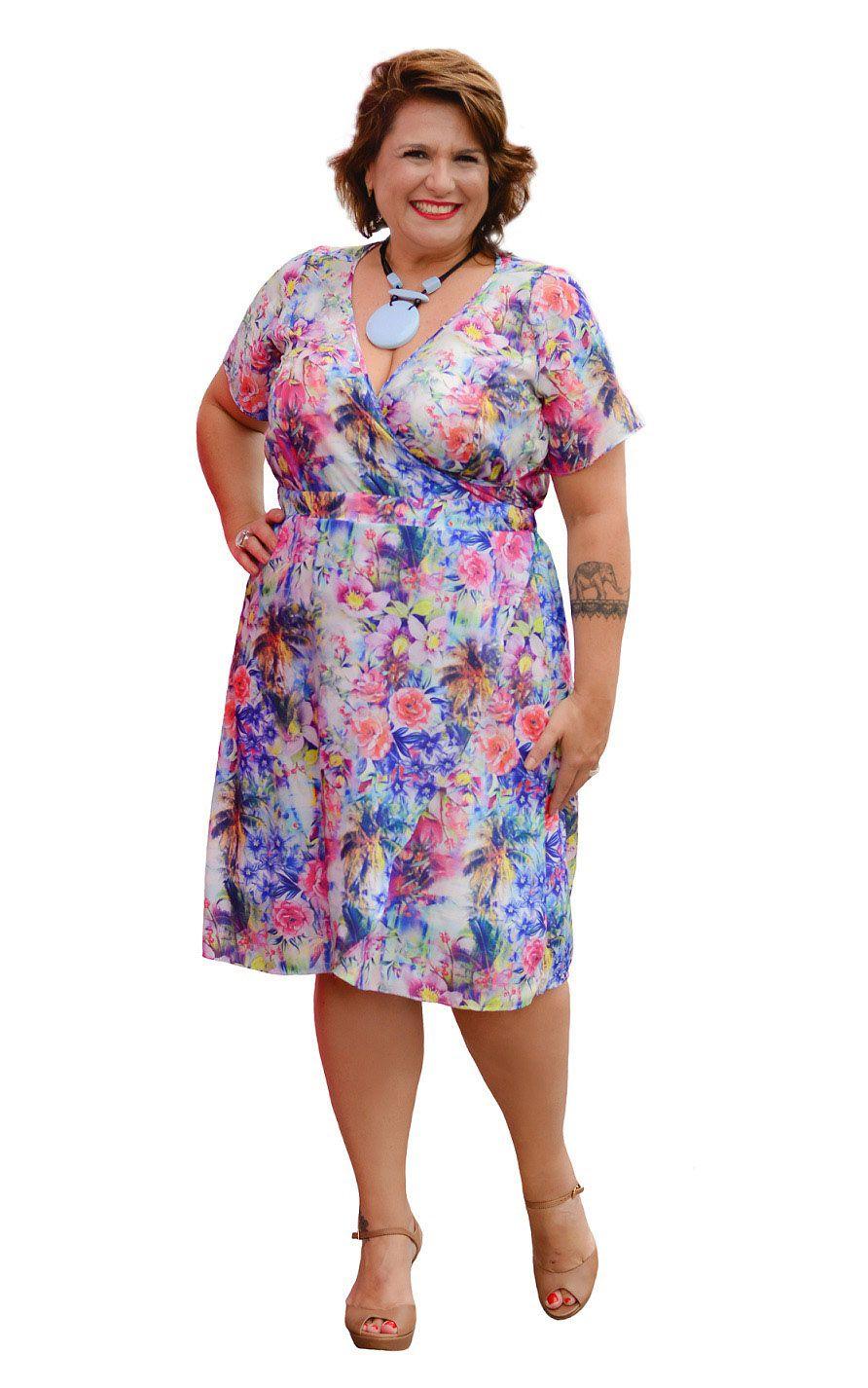 Vestido Curto Floral Plus Size