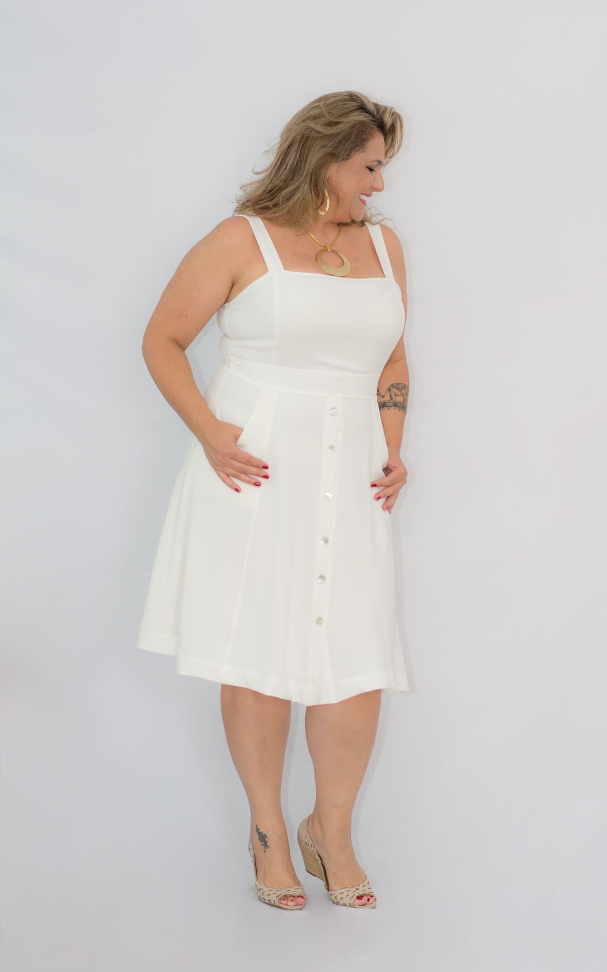 Vestido Curto Plus Size Branco OffCrepe
