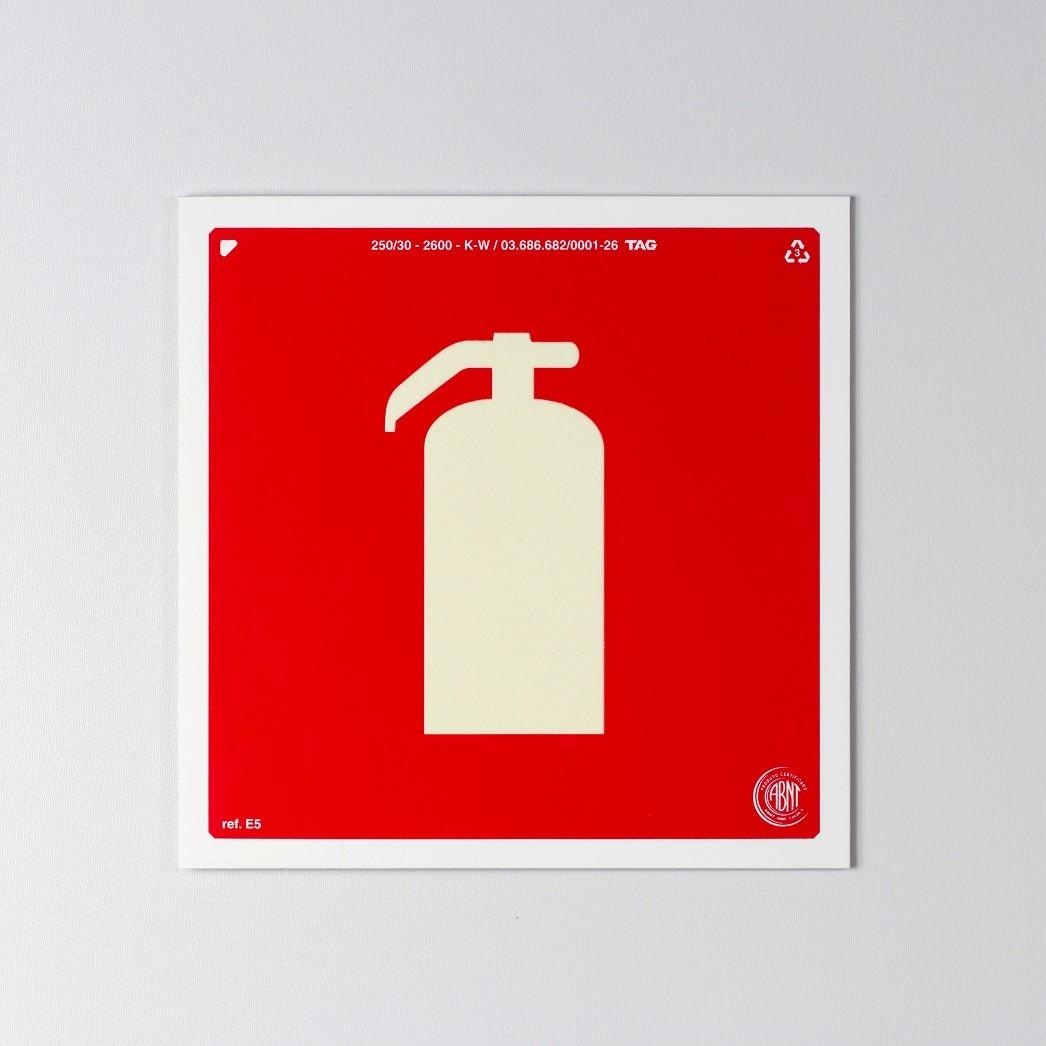 Sinalização Certificada para extintor de incêndio E5 20x20cm - PVC 2mm