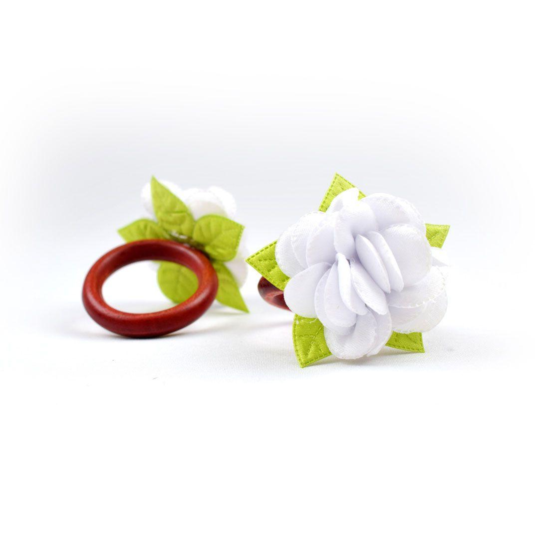Anel Guardanapo Flores:  4 Peças Branco  - RECANTO DA COSTURA