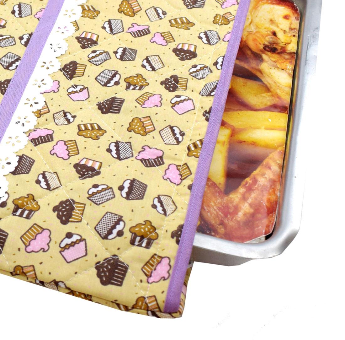Capa De Assadeira Retangular Grande  Térmica Bege Cupcake   - RECANTO DA COSTURA