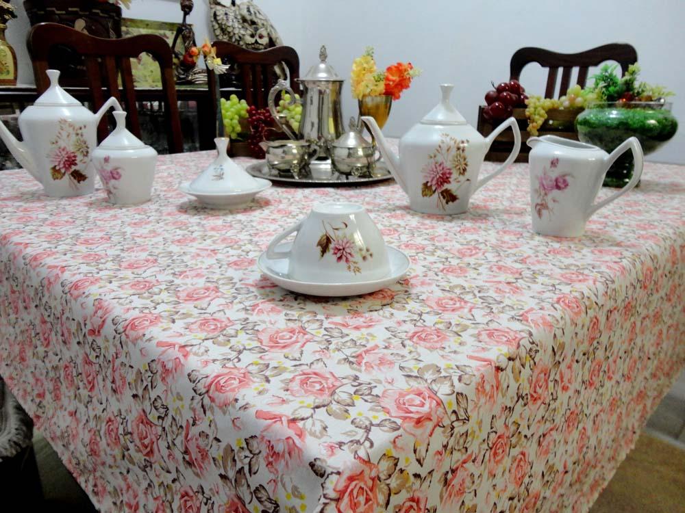 Toalha De Mesa Quadrada Floral 1,50m X 1,50m  - RECANTO DA COSTURA